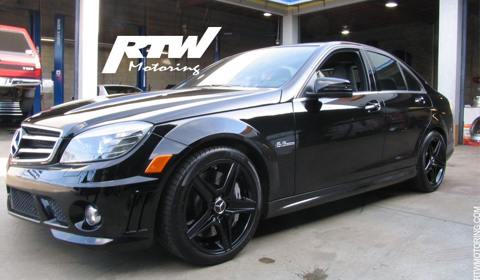 the mercedes benz c63 black rims
